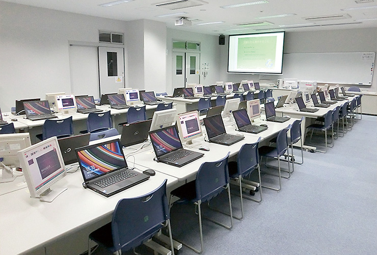 写真 コンピュータ教室